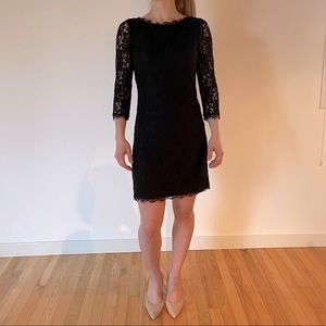 2/$50👗Babaton Lace Mini Dress  Black Size 4